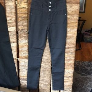 HIGH RISE GREY JEANS. worn once!